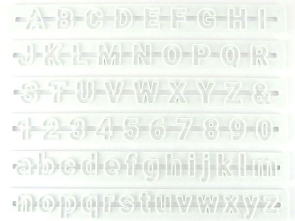 Buchstaben- und Zahlen Ausstecher Roboto