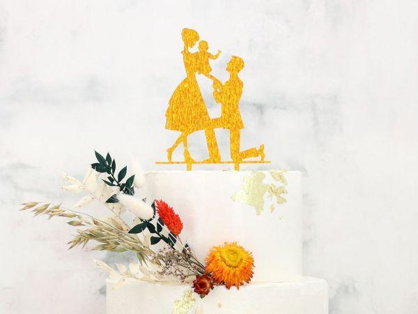 Cake Topper Brautpaar mit Kind gold