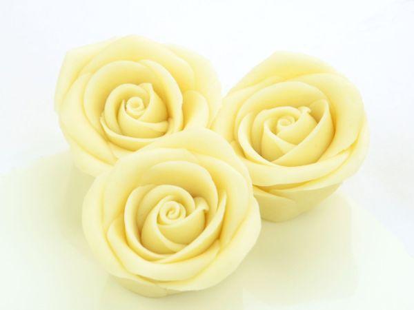 Marzipan-Rosen groß weiß 2 Stück