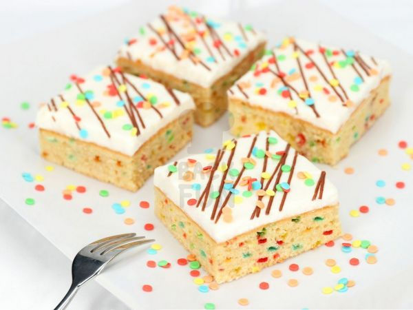 Confetti Cream Cake 750g Backmischungen Mehle Backfun
